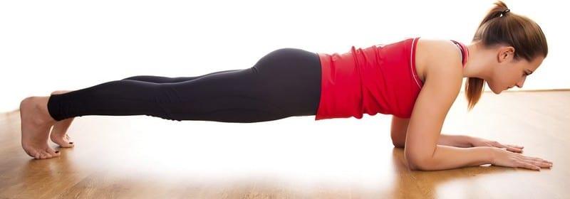 Упражнения от складок на спине в домашних условиях