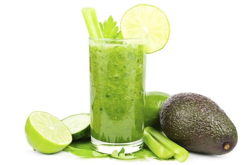 зеленые очищающие коктейли
