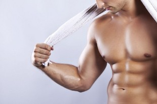Как убрать жир с грудных мышц у мужчин