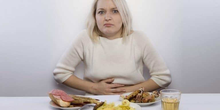 Тошнота после еды: причины у женщин, мужчин и детей