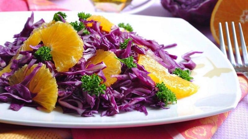 Салат с капустой и цитрусами