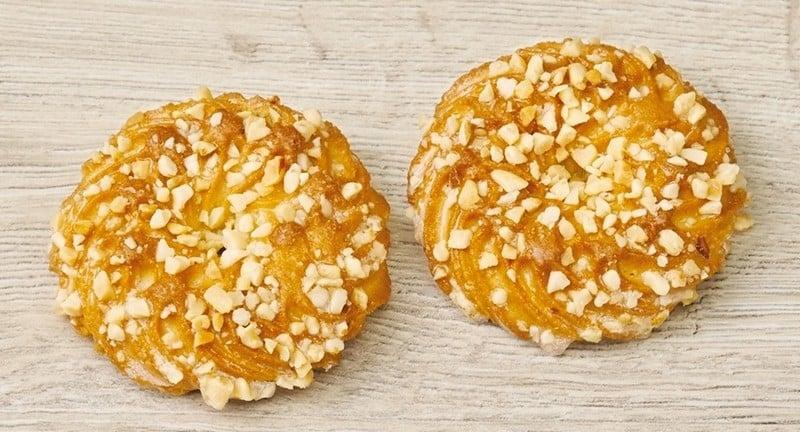 Сдобное печенье с орешками