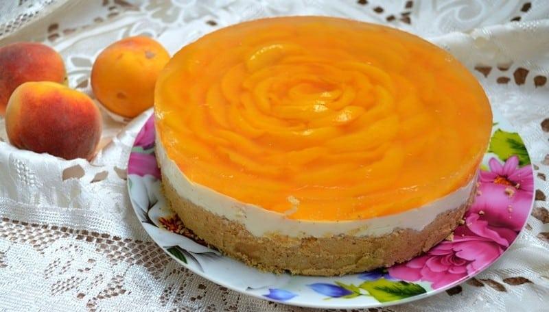 Торт с персиками без яиц